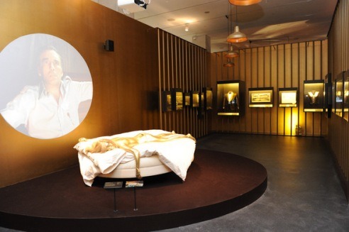 Bond-exhibit-gold-room